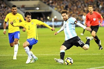 Argentina estrena la era Sampaoli con un triunfo ante Brasil