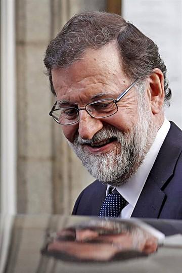 España: Fracasa moción de censura contra Rajoy