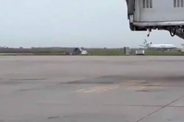 Ventarrón hace volar contenedores en Viru Viru