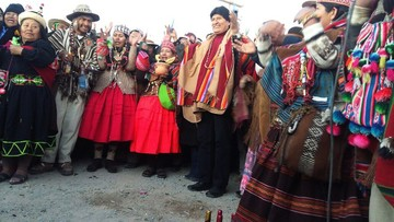 """Evo recibe nuevo año andino con pedido de unidad ante """"agresiones internacionales"""""""