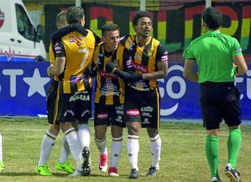 El Tigre se impone a Nacional Potosí  y sigue en carrera