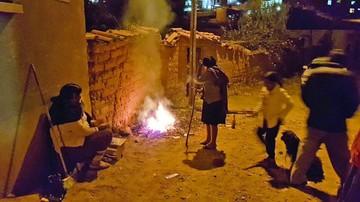 Persisten fogatas y fuegos artificiales en los barrios