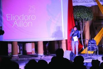 Poemas y música en la noche de Eliodoro Aillón