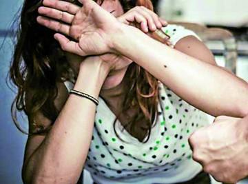 Hombre ataca a su pareja con tijeras y lo envían a prisión