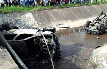 Santa Cruz: Accidente deja heridos y daños materiales irreparables en dos vehículos