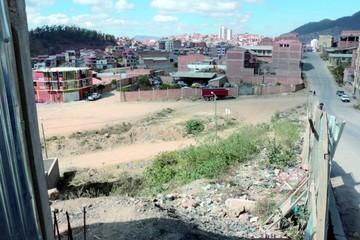 El Barrio Mesa Verde Centro reclama habilitación de calle