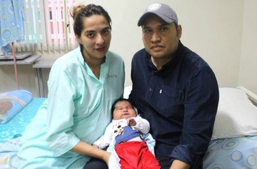 Un bebé de seis kilogramos nace en Tarija