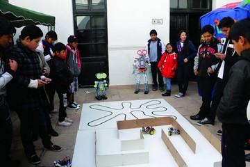 Alumnos demuestran su capacidad en tecnología