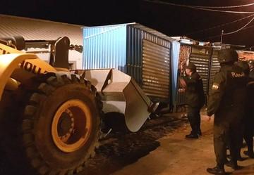 Intendencia decomisa casetas instaladas en las afueras del mercado Lajastambo