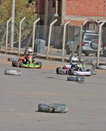 Sucre, fuera del karting nacional
