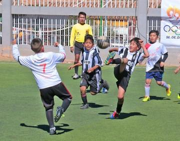 Graderías fueron armadas para ver el torneo infantil