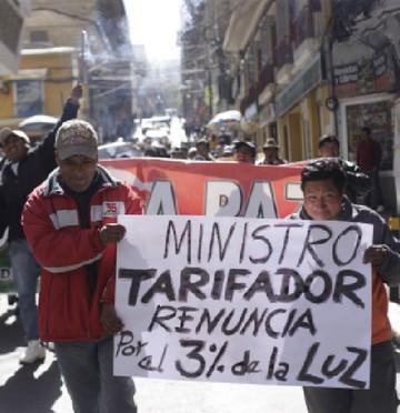 Marchan en contra del tarifazo en tres ciudades del país