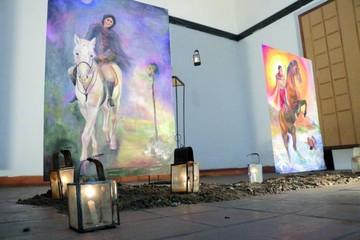 Pintora dedica sus obras a doña Juana Azurduy