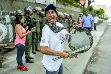 Venezuela: Oficialismo tilda de ilegal la consulta