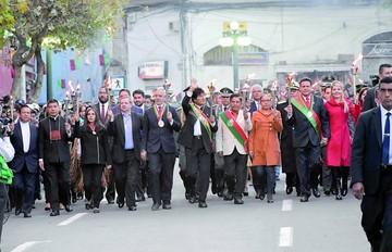 Evo, Patzi y Revilla piden unidad en festejo paceño