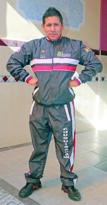Omar Camacho forma atletas campeones en fisicoculturismo
