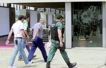 Investigación apunta a un saqueo millonario de Villar
