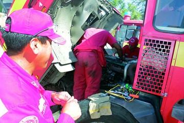 Bomberos en Sucre trabajan entre el peligro y críticas carencias