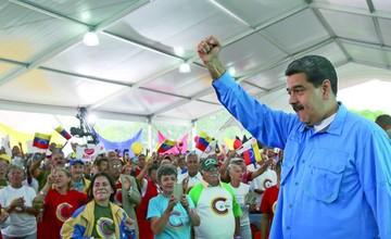 Maduro sigue en campaña y avanza denuncia a la CPI