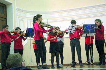 Orquestas infantojuveniles exhiben trabajo en talleres