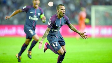 Alves deslumbra y levanta su primer título con el PSG