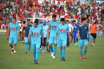 El campeón Bolívar es goleado en el comienzo del torneo Clausura