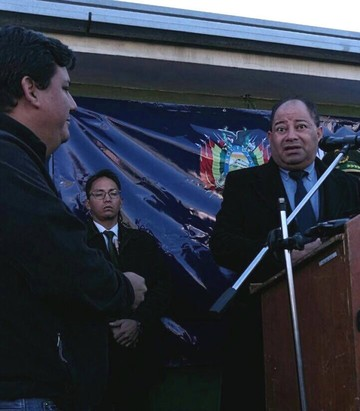 Bolivia devuelve a chileno camión robado y recuperado en territorio boliviano
