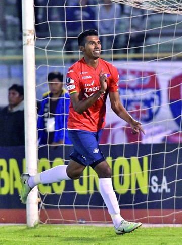 Wilster sigue a paso firme