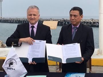 Bolivia y Perú suscriben acuerdo para exportar carga boliviana por puerto de Ilo