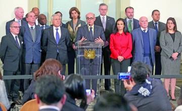 """Afirman que Venezuela """"ya no es democracia"""""""