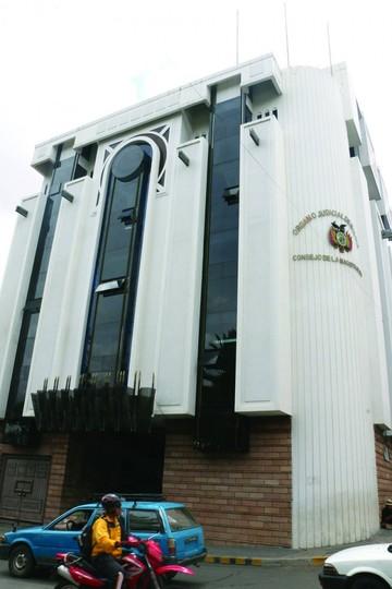 Derechos Reales: Fiscal pide informe a Consejo