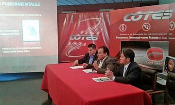 Cotes expone proyectos ante socios en asamblea