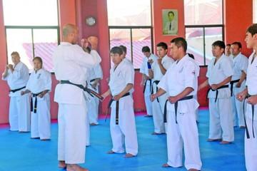 """""""Karate para una sociedad mejor"""""""