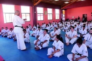 Instructores reciben grados internacionales