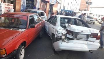 Múltiple colisión deja siete vehículos dañados en la avenida Marcelo Quiroga Santa Cruz