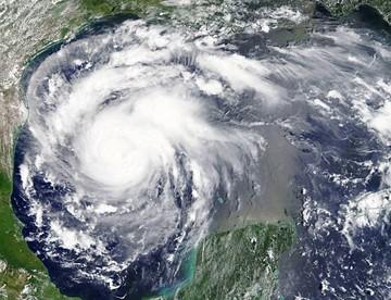 Un huracán toca Texas  y se teme graves daños