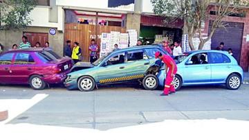 Dos conductores ebrios causan graves pérdidas