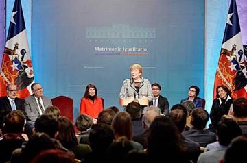 Chile avanza hacia ley de matrimonio igualitario