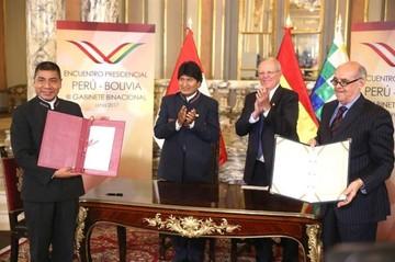 Con la firma de ocho convenios y la Declaración de Lima concluye III Gabinete Binacional