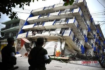 Sube a 38 el número de víctimas mortales por el sismo en México