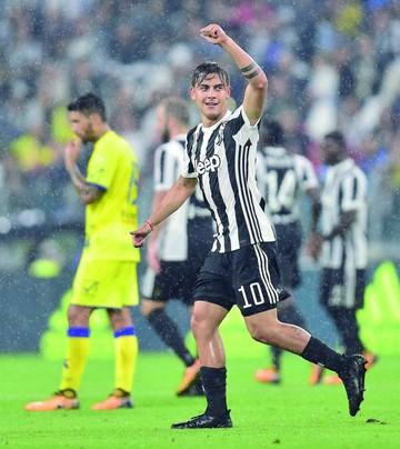 Juventus golea y sigue líder