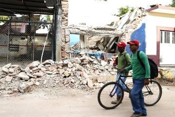Suben a 95 las víctimas mortales por el terremoto que golpeó a México