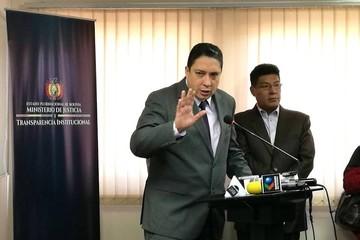 """Ministro Arce rechaza afirmaciones del canciller chileno y lamenta su """"desesperación"""""""