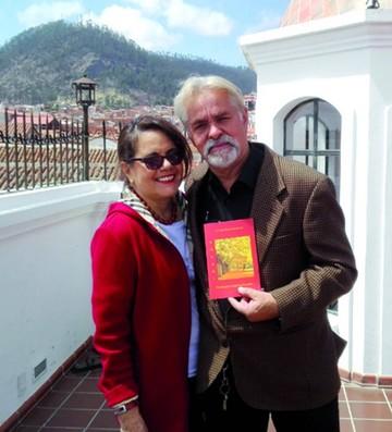 Escritores Ormachea y Bueno presentaron libros