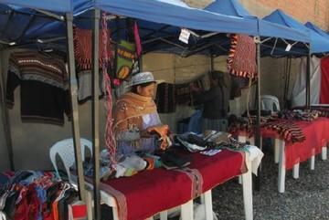 Productores organizan feria y esperan Centro Artesanal
