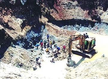 La Paz: Dos mineros fallecen aplastados tras un derrumbe