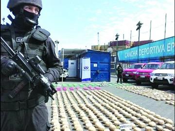 Nueve bolivianos caen en Chile con carga de drogas
