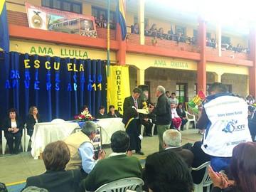 """""""Daniel Calvo"""" festejó con ex alumnos y  ex maestros"""