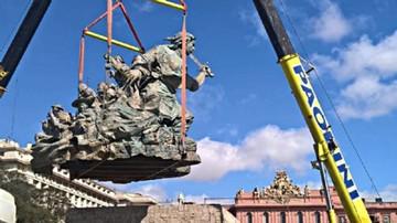 Remueven estatua de Juana Azurduy en Buenos Aires