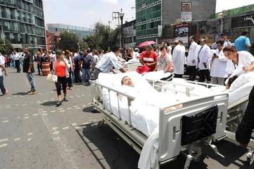 Suman 79 los muertos en México tras sismo